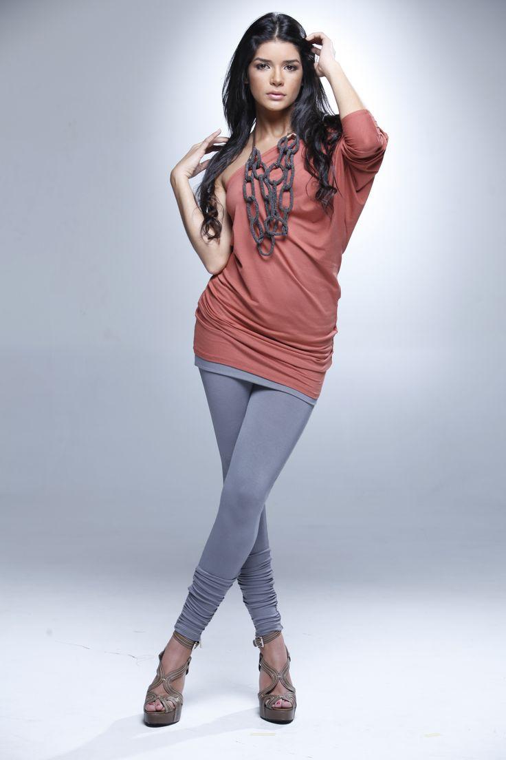 Karen Bray, fue nuestra Chica E! Colombia 2011, desde entonces ha seguido demostrando su talento en los medios.