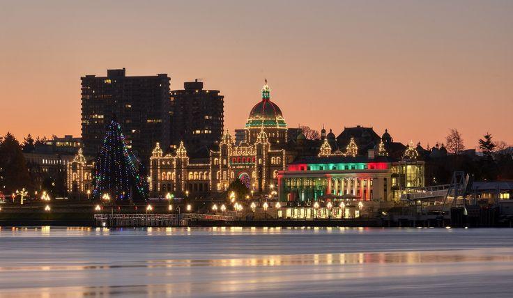 It's beginning to look a lot like #christmas everywhere you look. #VictoriaBC #VancouverIsland #westcoastBC #sunrise