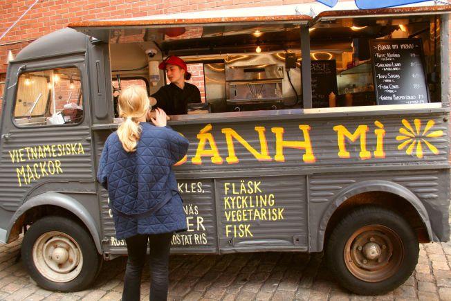 <p>RULLENDE GATEKJØKKEN: Rask og god vietnamesisk mat får du hos Bahn Mi Truck i Tredje Långgatan.</p>