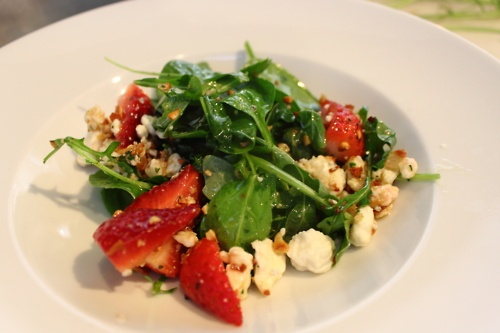 Spinach and arugula salad with strawberries and blue cheese. YUM.: Blue Cheese