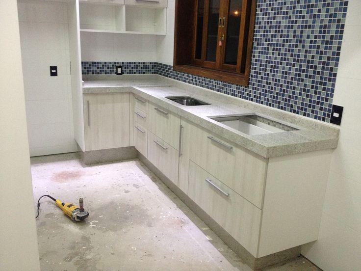 25+ melhores ideias sobre Granito Itaunas no Pinterest  Lavandarias branca,  # Pia De Banheiro Granito Branco Itaunas
