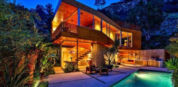 Splendide maison bois mise en vente sur les collines d'Hollywood   Construire…