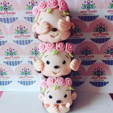 Bom dia ! #biscuit #porcelanafria #porcelain #vasinhosdebiscuit #cego,surdo,mudo #macaquinhosdebiscuit #macacos #ilovebiscuit #alinepavao #artes #feitoamao #atesanto