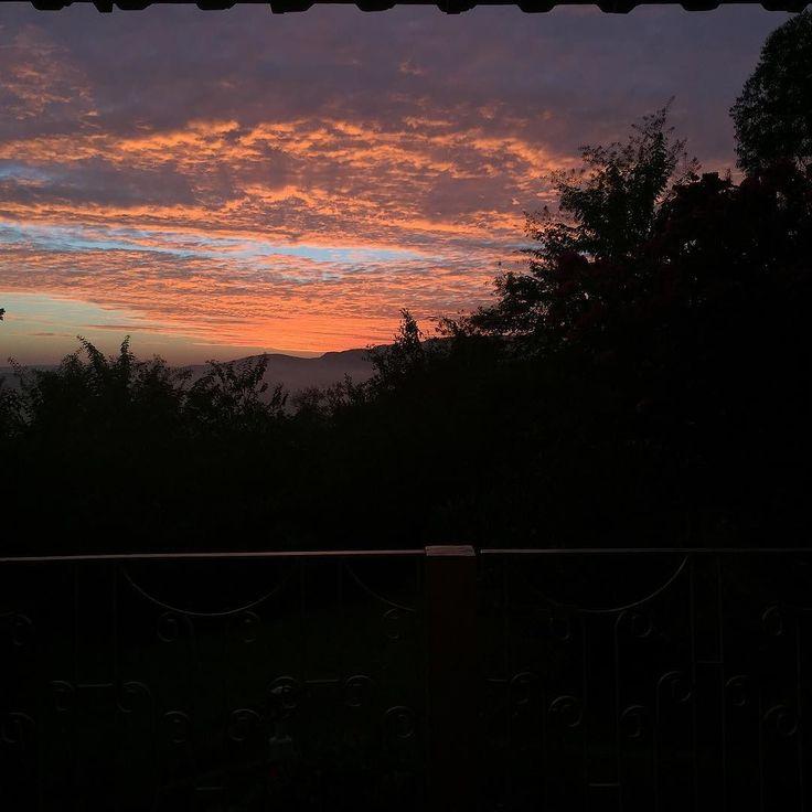 Sunrise in Nova Lima (MG) #minasgerais #nofilter #brazil #sunrise #sunriseporn #novalima