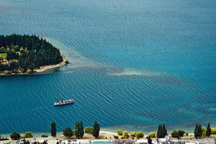 Озеро Вакатипу (Wakatipu), Квинстаун, Новая Зеландия