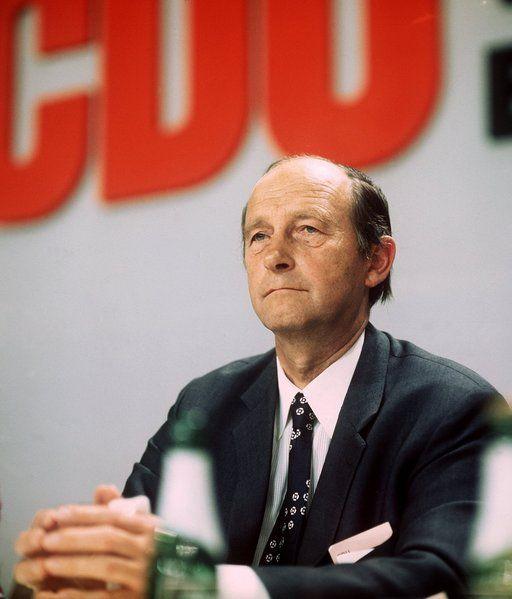 Hans Filbinger  hatte sich um das Land Baden-Württemberg verdient gemacht und...