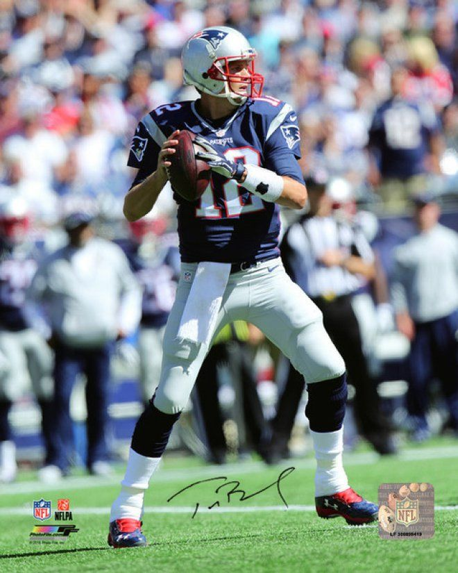 #TomBrady is charging $650 for his #Autograph. http://www.forbes.com/sites/davidseideman/2015/11/25/tom-brady-is-charging-650-for-his-autograph-seriously/