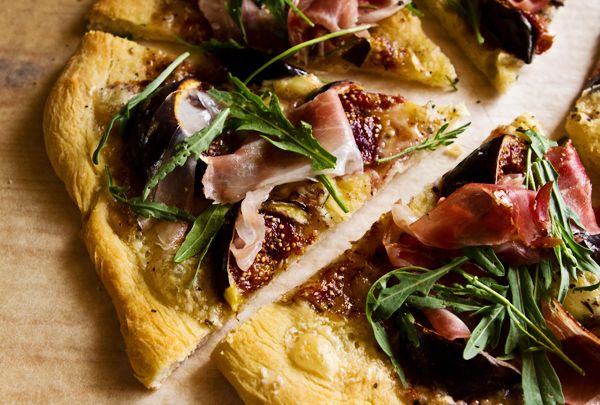 Fig Pizza with Arugula and Speck. #pizza #figs #arugula #speck #recipe #gourmet #recipes #italy #italian #food #yummy #tasty
