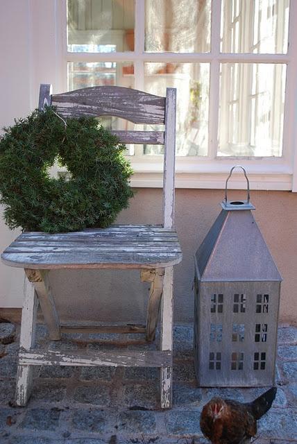 outdoor decor need this lantern!