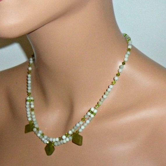 Collar de piedra semi preciosa jade por mmanach en Etsy, $72.00