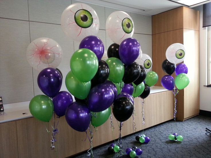 spooky eye ball balloon decorations great for halloween or friday the 13th - Frozen Halloween Decorations