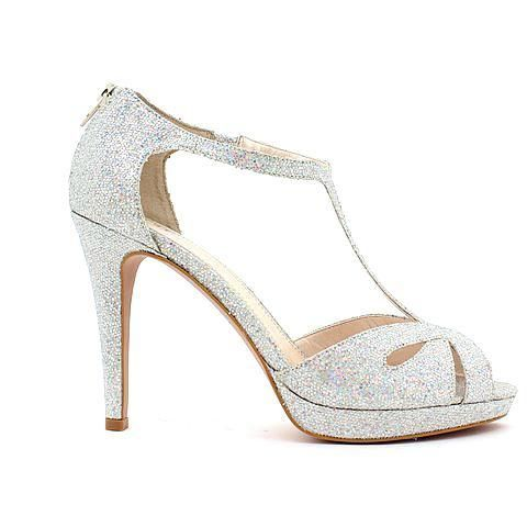 KIKI heel in silver multi. #mybetsonBetts #BettsRaceDayReady #BettsShoes #shoes #heels
