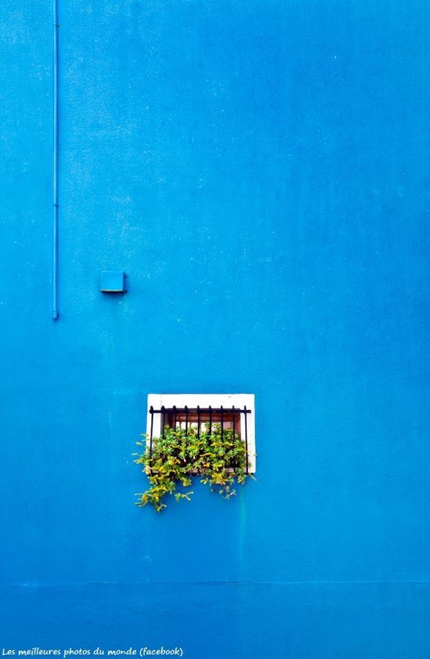 azul-céu...