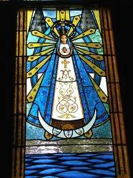 Vitrales Virgen de Lujan. Prov. de Buenos Aires. Argentina.