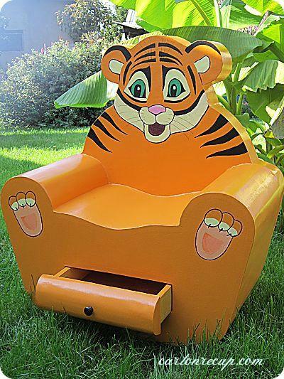 Un fauteuil en carton pour les enfants   http://cartonrecup.com/un-fauteuil-en-carton-pour-les-enfants/