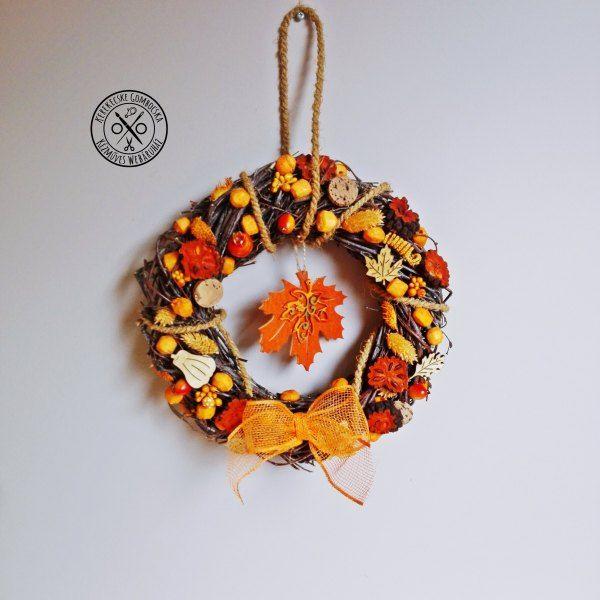 Nyírfavessző ajtódísz narancsszínben - megvásárolható a webáruházban