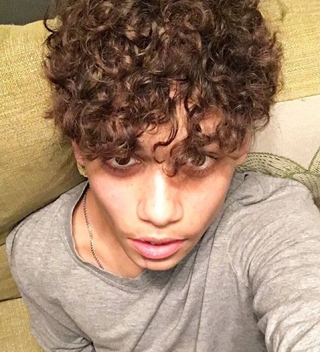 Curly hair *-* #HarrisJ