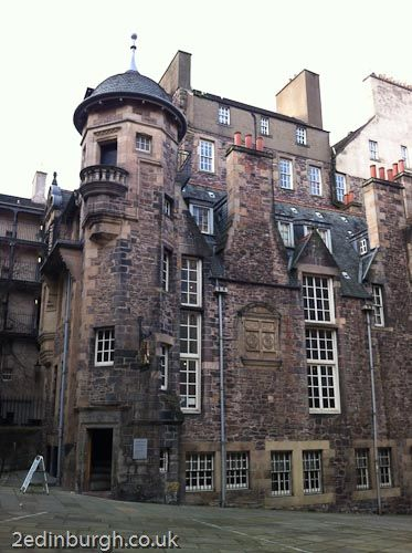 Edinburgh - December short breaks No4 #Edin365 The Writers Museum is open all year round and a great place to visit whilst on a short break at Craigwell Cottage www.2edinburgh.com