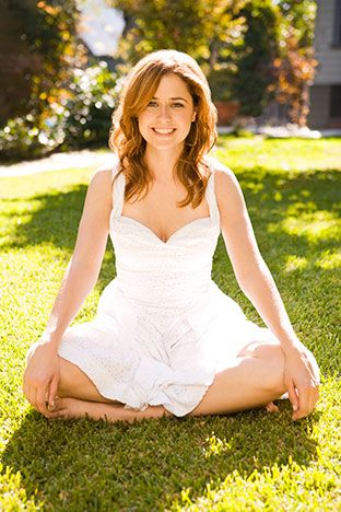 Jenna Fischer's real name is Regina.  *super huge grin*  {r}