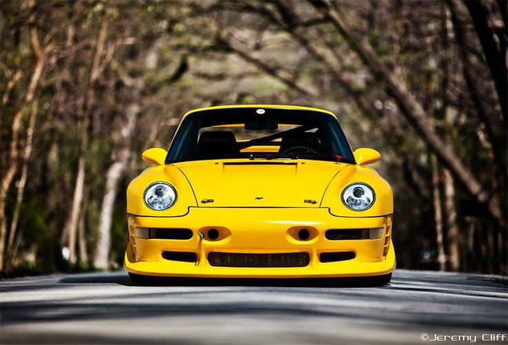 A stare down with a RUF CTR2 Sport