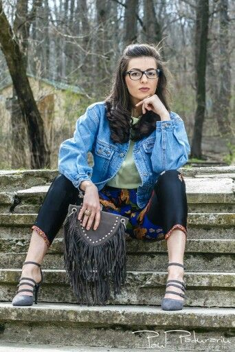 Fashion Blogger  www.ramonacervenciuc.ro  #denim #springoutfit