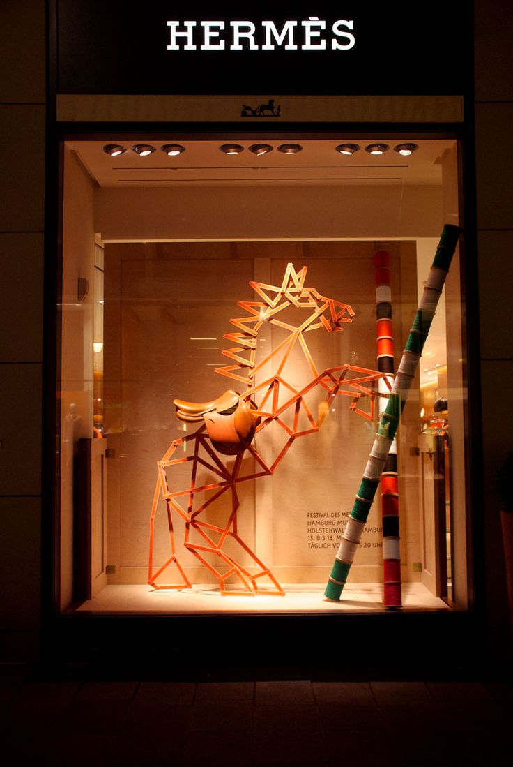 For the Hermes Craft Festival in Hamburg, a horse made of measuring sticks.