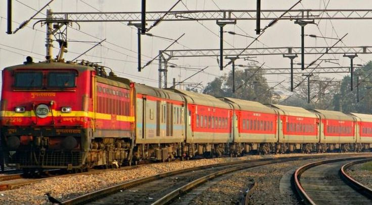 """At least two coaches of the Rajdhani Express from Ranchi derailed near Minto Bridge station here on Thursday, officials said. There were no injuries. Northern Railway spokesperson Neeraj Sharma told IANS that the engine and a power coach of train derailed while approaching New Delhi Railway Station from Ranchi in Jharkhand around 11.45 a.m. Earlier … Continue reading """"Two Coaches Of Rajdhani Express Derail Near Minto Bridge In Delhi"""""""