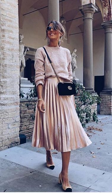 Pullover + Faltenrock – Fashion
