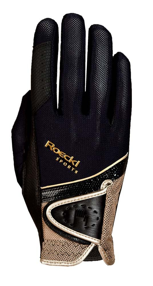 A stunning glove with superb grip. *p.s. the second photo makes the gloves looks…