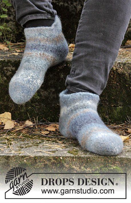 Filtede og strikkede tøfler til dame og herre. Størrelse 35 – 44. Arbejdet er strikket i 2 tråde DROPS Big Delight.