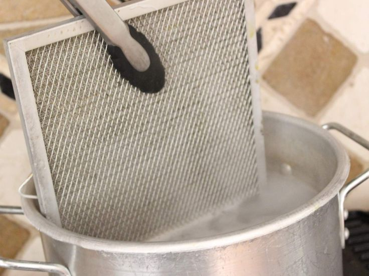 Vraag en antwoord: hoe krijg je het rooster van je dampkap schoon?