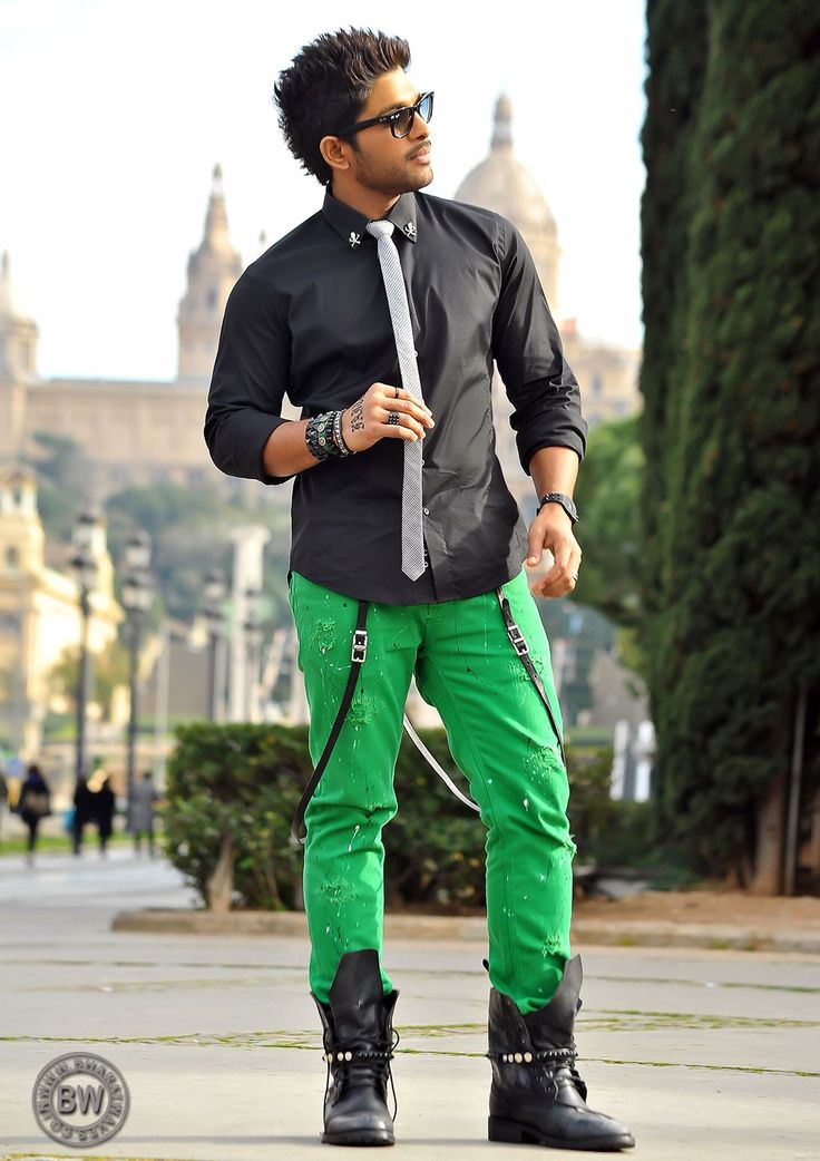 Allu Arjun Photos From Iddarammayilatho Movie