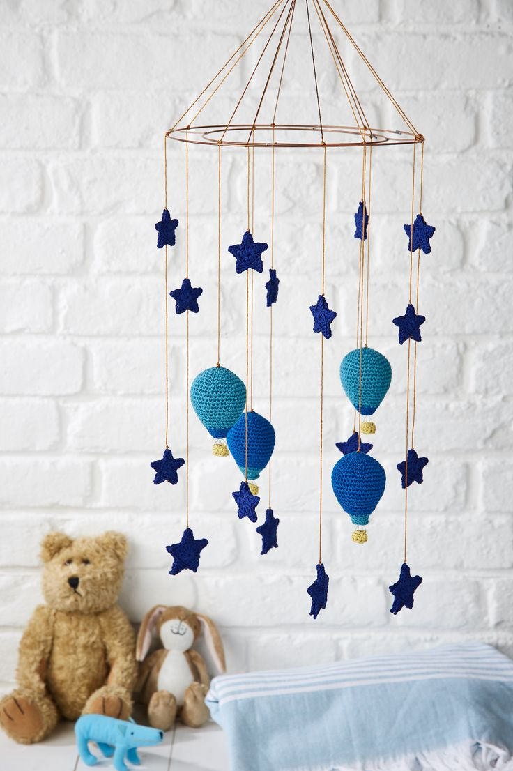 Send a baby off to sweet slumber with this gorgeous mobile from issue 50 of Simply Crochet