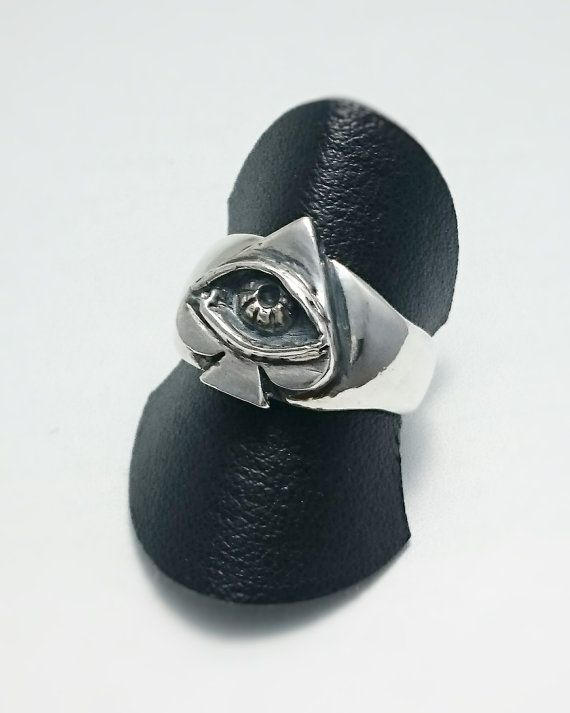 sterling silver spade eye ring