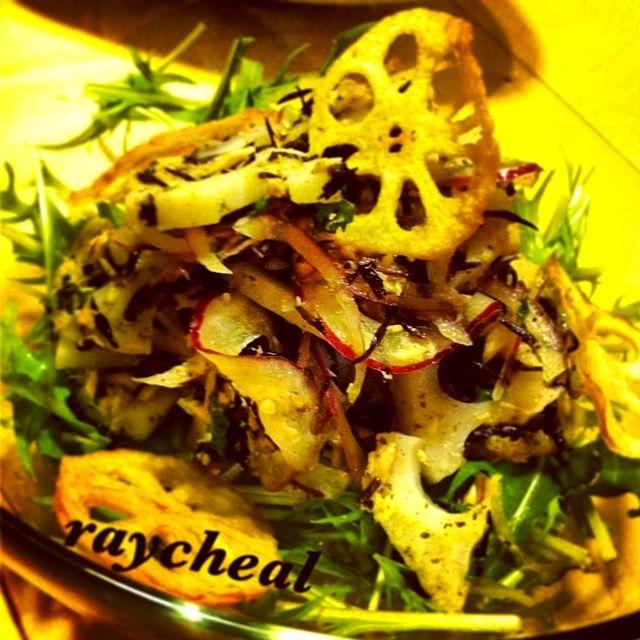 揚げ物メニューのときにオススメの、さっぱりシャキシャキサラダです♡ - 263件のもぐもぐ - カラダに優しいサラダ。ツナ、ひじき、れんこん、アーリーレッド、水菜。 by raycheal