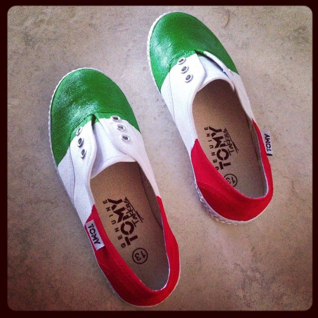 #painted #tomy #tekkies for Keira for #school #tomorrow. #heritage #day #italian #flag #green #white #red. #daughter I think I am more #excited than she is ❤️