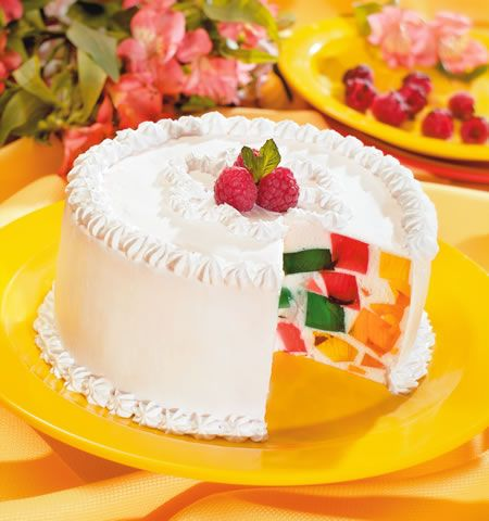 "pastel de gelatina de mosaico JELLO ""cake"" with whipped topping!"