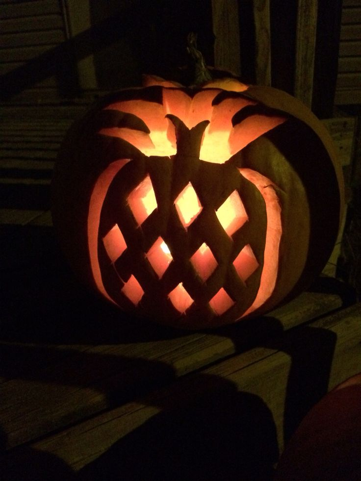 The 25 best pineapple carving halloween ideas on for Pineapple carving designs