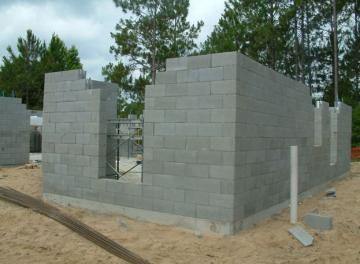 Dry stacked - Masons know that the mortar is not a glue - its chief purposes are as a leveling device and to fill the voids between blocks. That is why the Endura Wall System is dry stacked. The result is a 25% stronger wall.