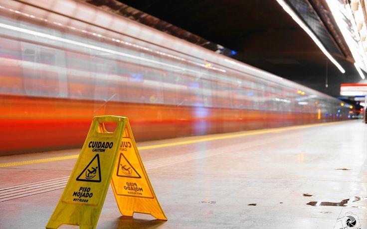 Precaución, Metro Tobalaba Santiago