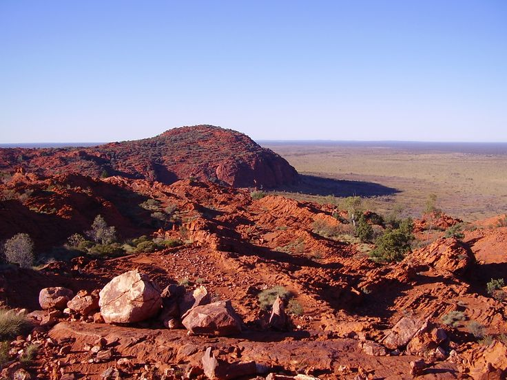 The red earth of Wiluna is the colour of Christmas all year round!