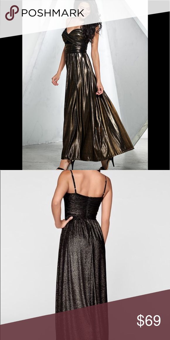 Never worn Liquid Metallic Maxi Dress Make a grand entrance with this shimmering eye catching maxi dress Dresses Maxi