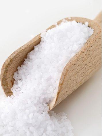 1000 id es sur le th me gommage au sel fait maison sur - Gros sel pour desherber ...