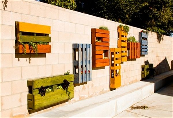 13 Pallet Vertical Garden for Beautifying you Home | Pallet Furniture DIY