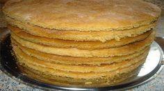 Всего за полчаса можно сделать коржи для торта: штук 9-10! Затем сделать крем, промазать коржи и получить вкуснейший домашний торт.