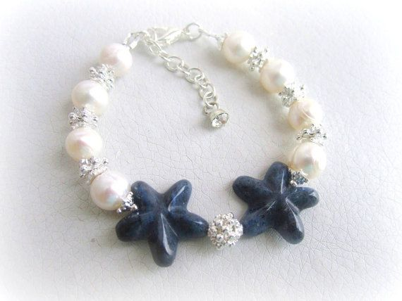 Pearl bracelet and carved sodalite starfish by MalinaCapricciosa