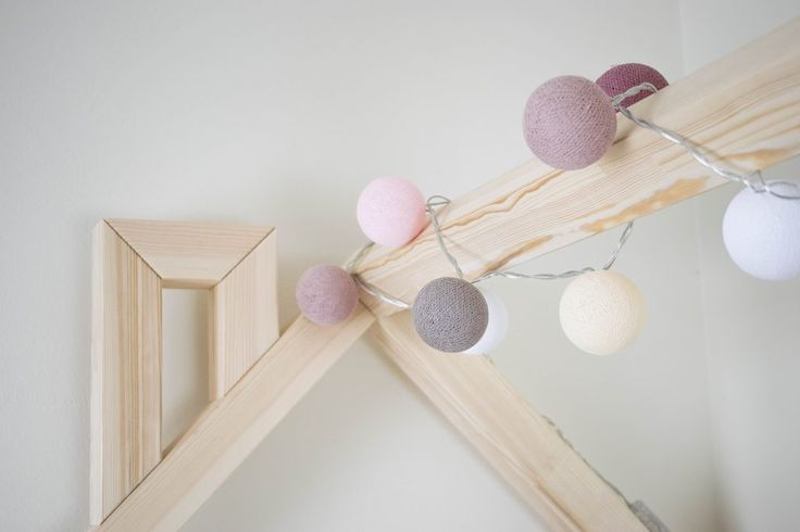 Children´s house bed with the lighting balls