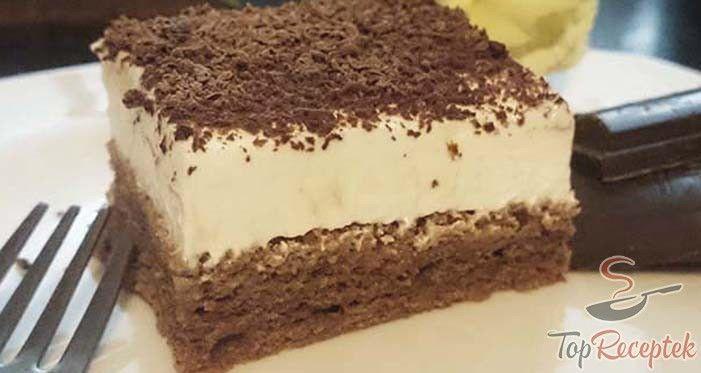 Ez az Isteni finom tejfölös sütemény szerintem a világ legfinomabb tejfölös süteménye. A család imádja, szinte pillanatok alatt elkapkodják a tányérról. Nem csodálom, nagy kedvenc. Puha tészta, ágy krém, kakaó vagy csokoládé a tetején, ennek kevesen tudnak ellenállni.