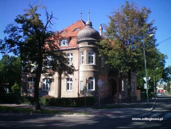 Willa przy ulicy Świdnickiej - Dzierżoniów,