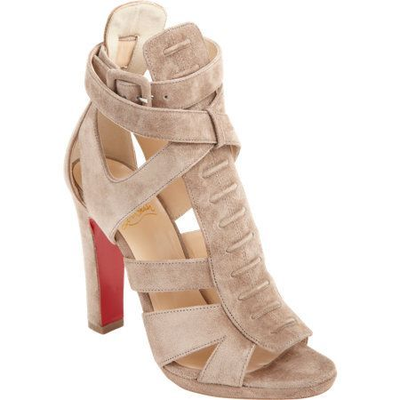 Perfect nude Chanel bag and Louboutin shoes for spring style. #nude